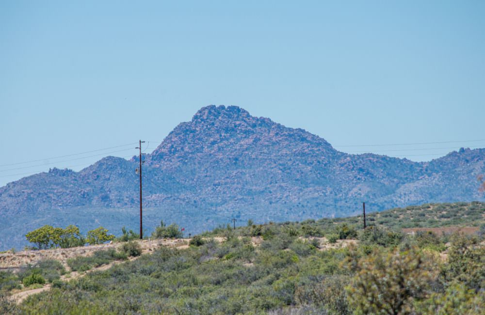 8040 W. Redrock Rd., Wilhoit, AZ 86332