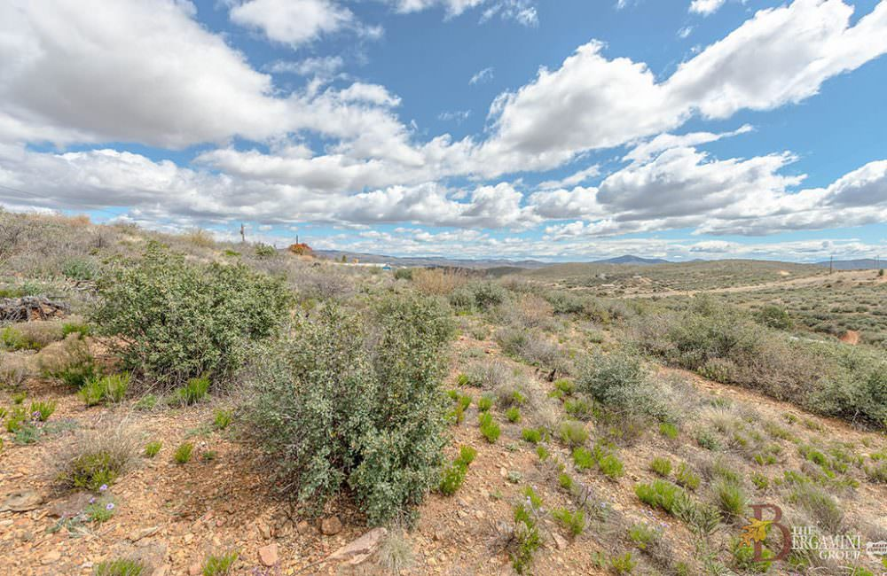 10765 E Powerline Road, Dewey, AZ 86327