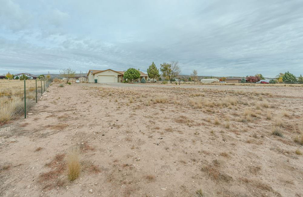 680 W Iris Road, Paulden, AZ 86334